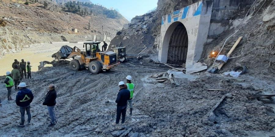 Rescue operation to locate 25-35 workers trapped inside Tapovan tunnel continues