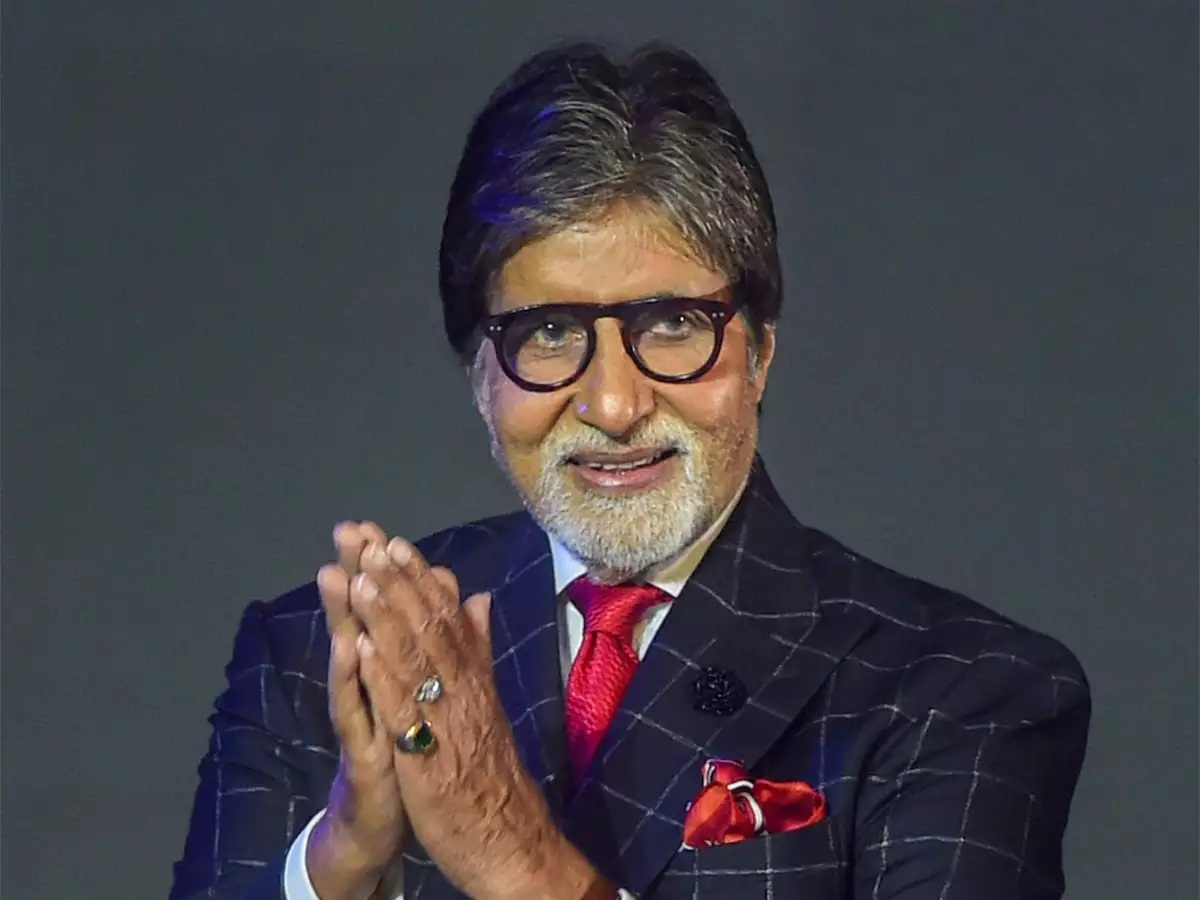 Security beefed up outside Amitabh Bachchan's bungalow after Congress leader's threat