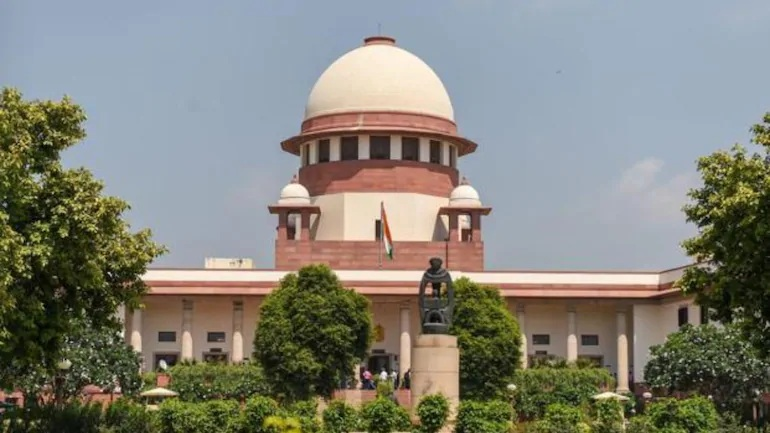 Supreme Court issues notice to centre, twitter against Anti-India tweets