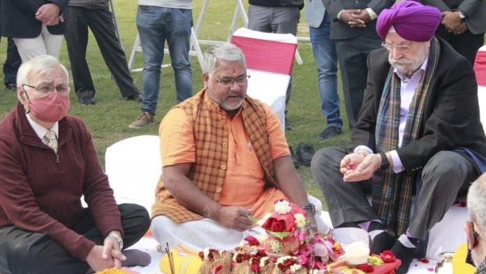 Hardeep Singh Puri performs Bhoomi Poojan ceremony of Central Vista Avenue