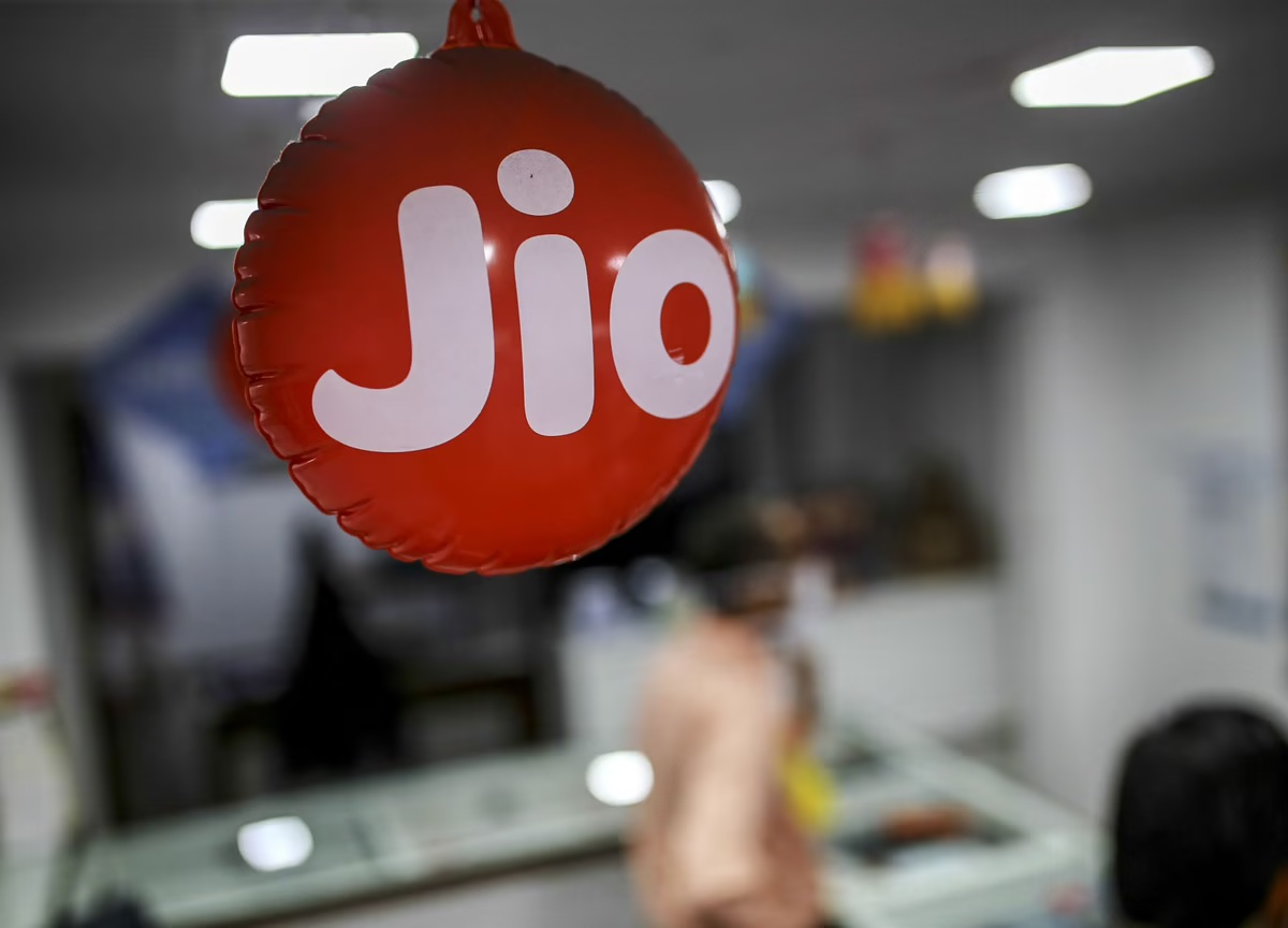 Jio becomes largest telecom operator in Gujarat