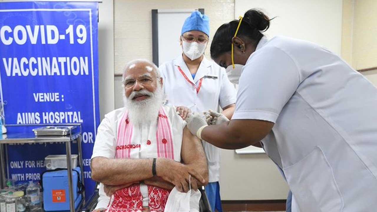 PM Narendra Modi vaccinated for corona virus in AIIMS