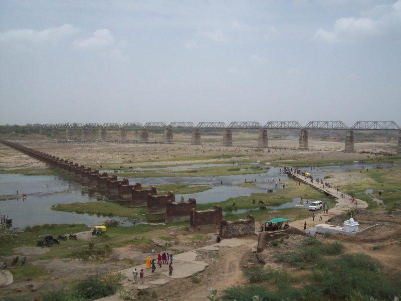 Vadodara collector banned the entry at Mahisagar and Narmada river for two days on Holi and Dhuleti