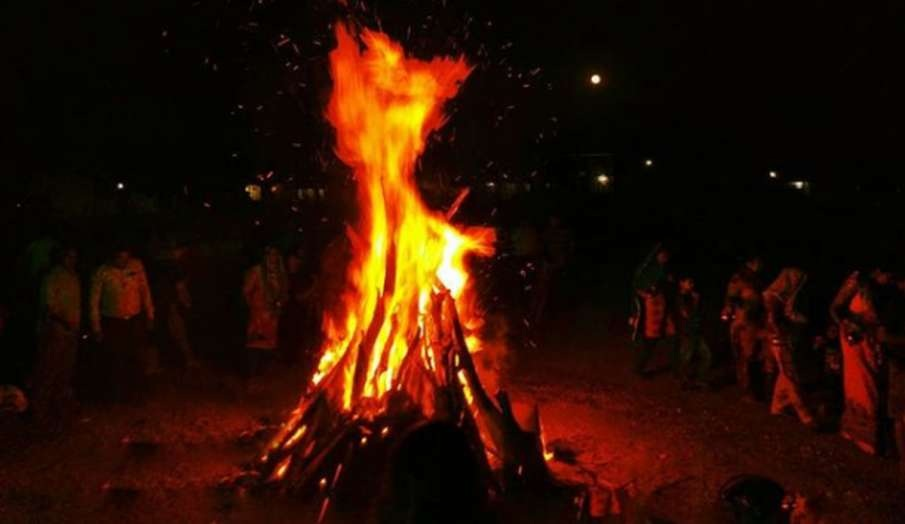Use Gau Cast logs in Holika Dahan to purify atmosphere in Corona scare