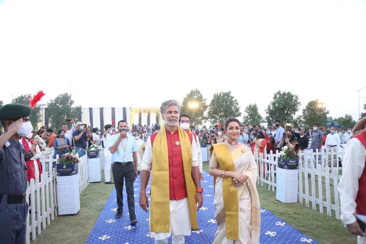Milind Soman and Tisca Chopra motivate students in 4th Annual Convocation of Parul University