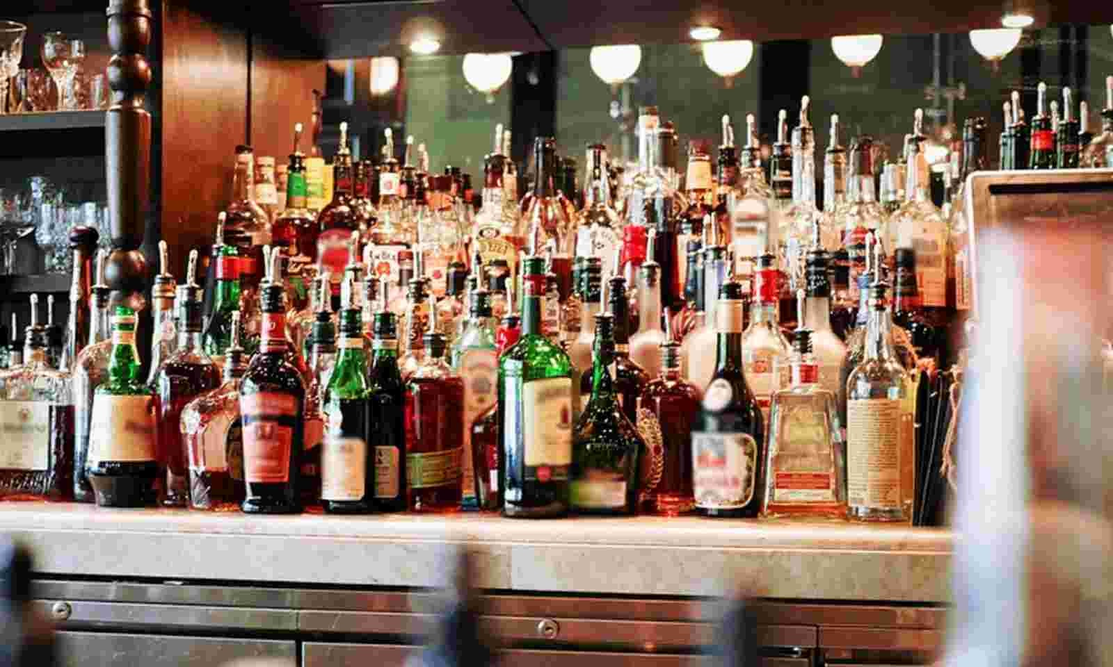 Delhi lowers legal age of drinking to 21, to close all government-run liquor shops
