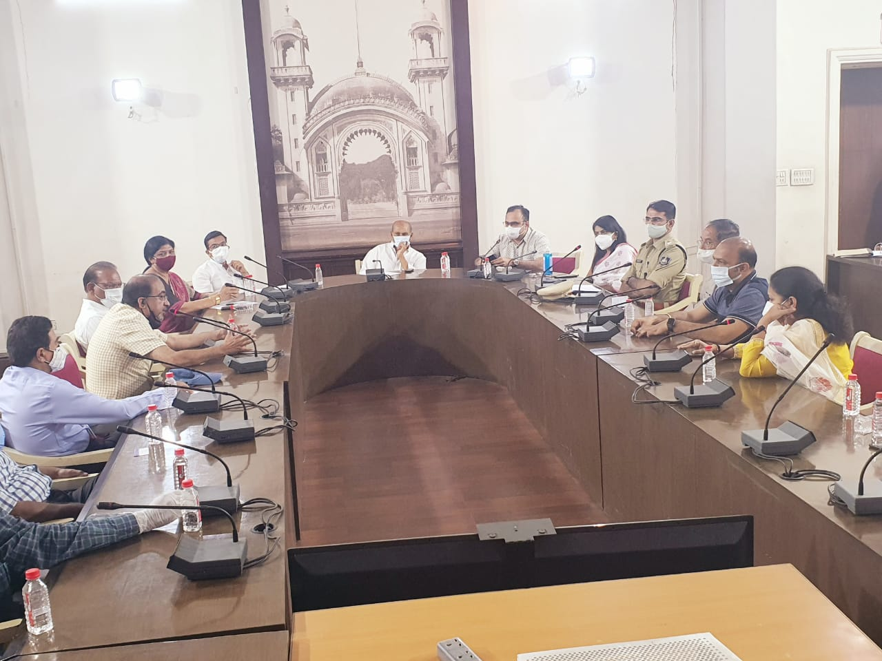 Meeting held with representatives of Group C hospitals in presence of Minister and public representatives