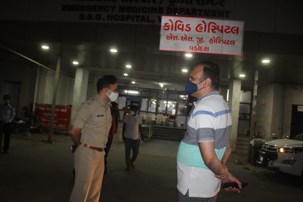 OSD Dr. Vinod Rao visited SSG Hospital to review the situation