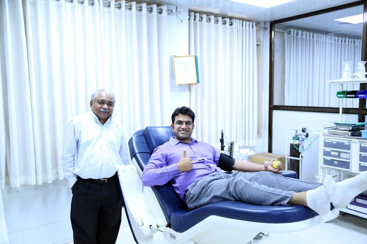 Parul university director donate plasma for covid antibodies