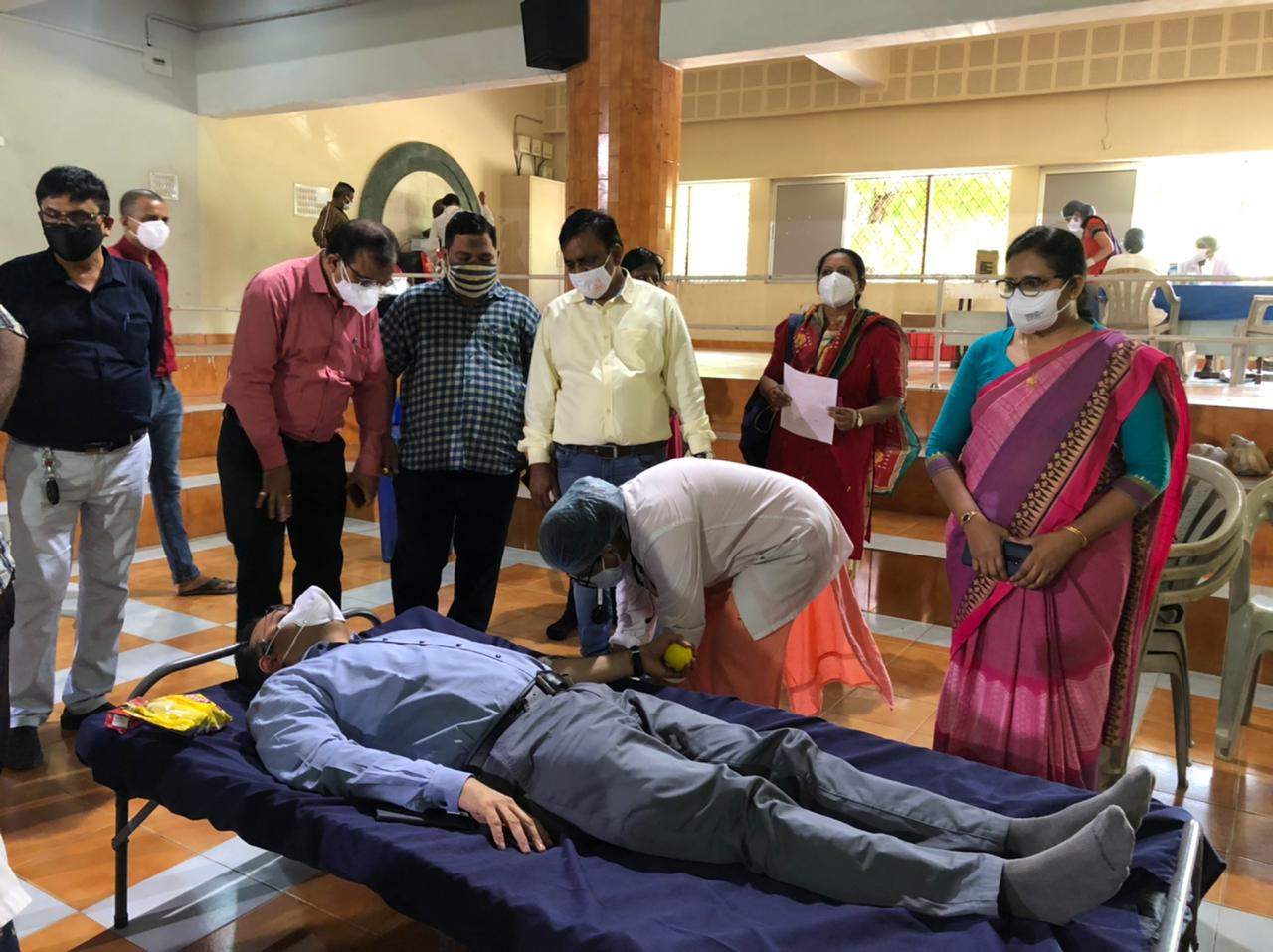 OSD Dr. Vinod Rao felt blissful after donate blood for the corona patients