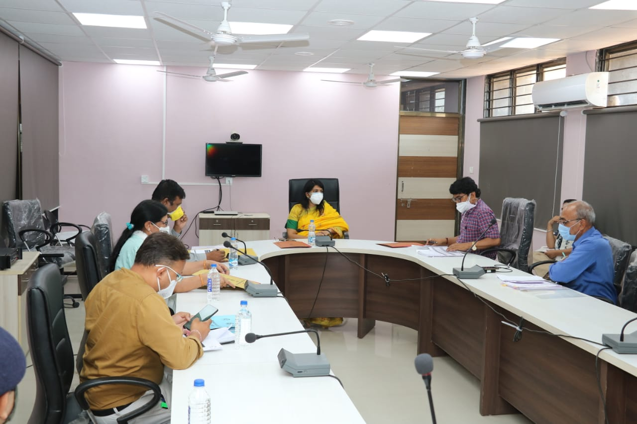 Vadodara District Collector instructed to make control room at Shinor taluka for intensive monitoring of health situation