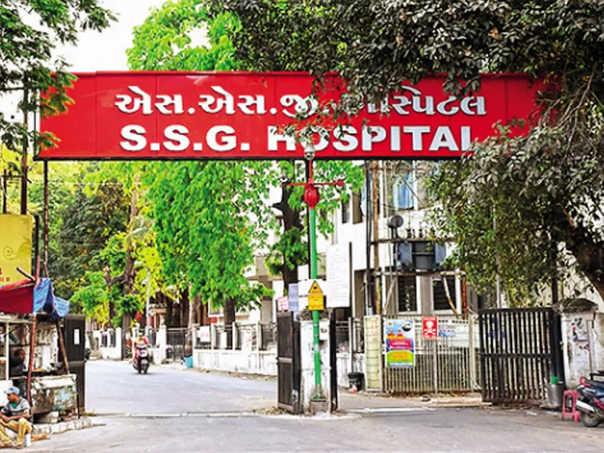Nursing staff at Sayaji Hospital in Vadodara staged symbolic protest for their pending issues