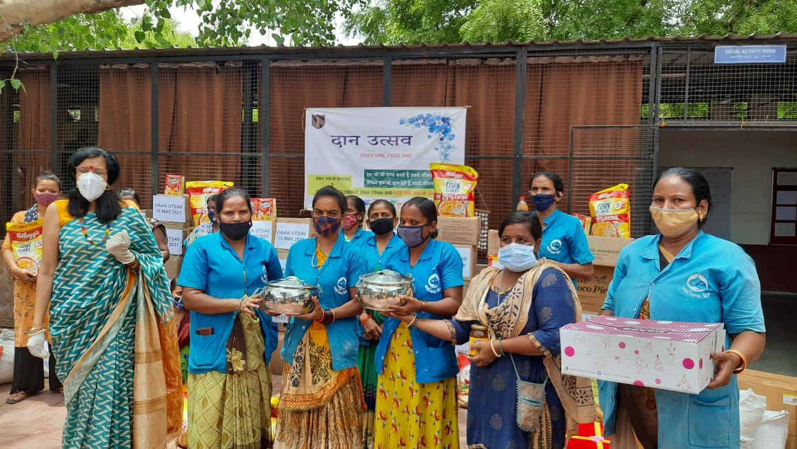 Army families came in support of slum dwellers and sanitation workers in Ahmedabad