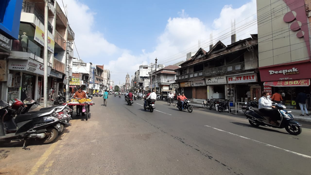 Markets in Vadodara buzzing once again after the 23 day mini lockdown