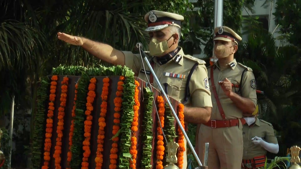 Increase in manpower of Vadodara city police by inclusion of 109 young women and 130 personnel