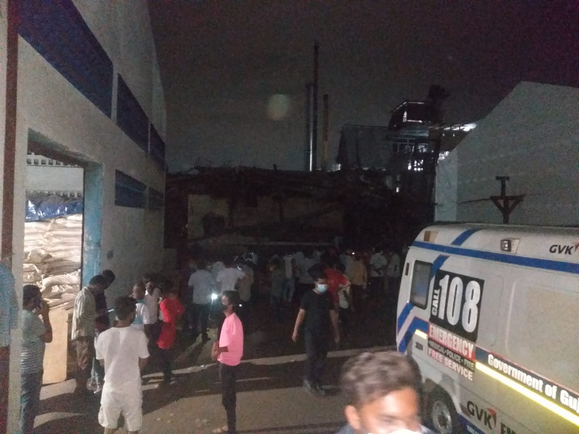 One worker died after tower collapse in a company at Nandesari